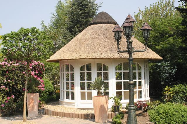 runde pavillons reetdach k tter pavillon die gartenpavillon spezialisten. Black Bedroom Furniture Sets. Home Design Ideas
